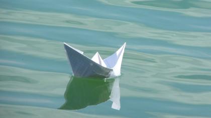 papierschiff-389016_1920_kl